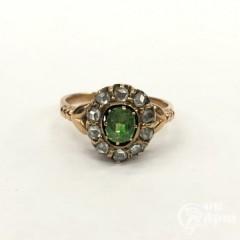 Кольцо с демантоидом и алмазами
