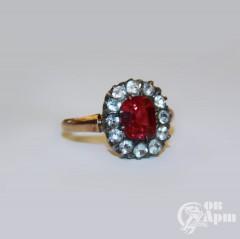 Кольцо с горным хрусталем и  выращенным рубином