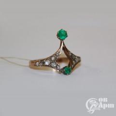 Кольцо с изумрудами и алмазами