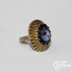 Кольцо с корундом выращенным