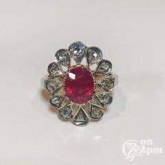 Кольцо с природным рубином и алмазами