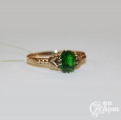 Кольцо с зеленым стеклом