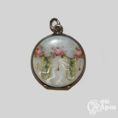 Медальон с гильошированной эмалью