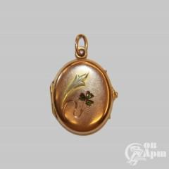 Медальон с демантоидами