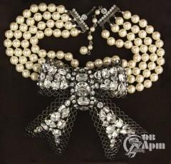Ожерелье с брошью от Lawrence VRBA