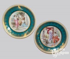 Парные декоративные тарелки с пасторальными сценами