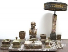 Письменный настольный набор с бюстом В.И. Ленина