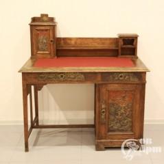 Письменный стол в русском стиле