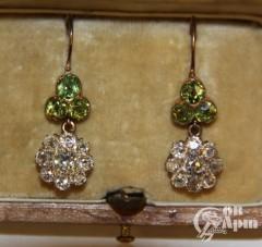 Серьги - подвески с демантоидами и бриллиантами