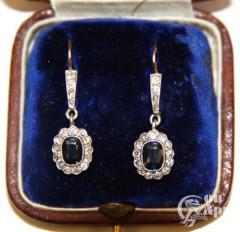 Серьги-подвески с бриллиантами и сапфирами