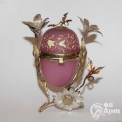 Шкатулка в виде пасхального яйца