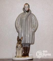 """Скульптура """"Автопортрет с собакой"""""""