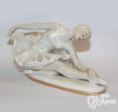 """Скульптура """"Балерина на постаменте"""""""