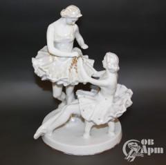 """Скульптура """"Балерины перед выступлением"""""""