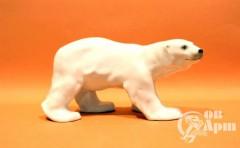 """Скульптура """" Белый медведь """""""