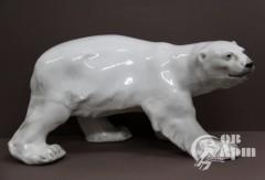 """Скульптура """"Белый медведь"""""""