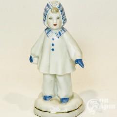 Скульптура «Девочка со снежком» (Зима)