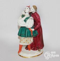 """Скульптура """"Дьяк и Солоха"""""""