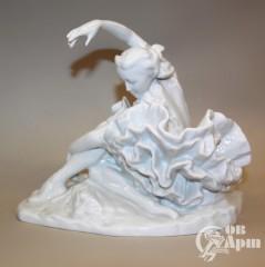 """Скульптура """"Г.С.Уланова в концертном номере """"Умирающий лебедь"""" К.Сен-Санса"""""""