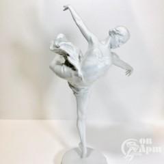 Скульптура «Г.С. Уланова в роли Одетты»