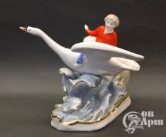 """Скульптура """"Иванушка на лебеде по сказке """"Гуси-лебеди"""""""