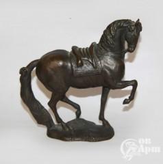 """Скульптура """"Конь"""""""