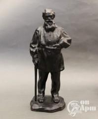 """Скульптура """"Л.Н. Толстой"""" Касли"""
