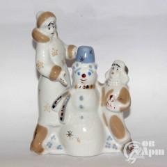 """Скульптура """"Мама с мальчиком и снеговиком"""""""