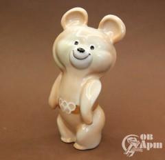 "Скульптура ""Олимпийский медведь"""