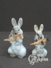 """Скульптура парная  """"Заяц с морковкой"""""""