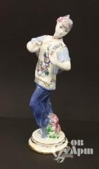 "Скульптура ""Танцующая китаянка"""
