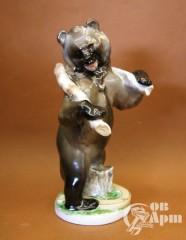 """Скульптура """"Трудолюбивый медведь"""""""