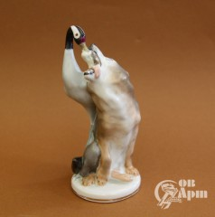 """Скульптура """"Волк и журавль"""""""