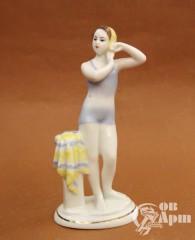 """Скульптура """"Юная купальщица"""""""