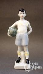 """Скульптура """"Юный вратарь. Футболист"""""""