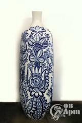 Ваза с синим цветочным узором