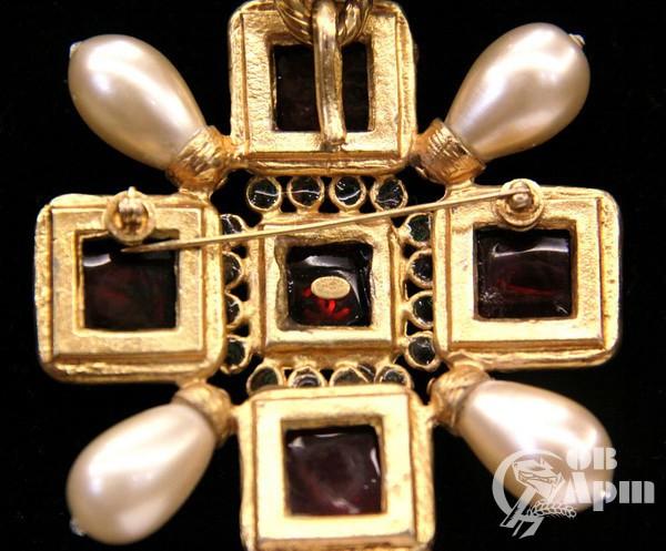 """Цепь Chanel с брошью-подвеской """"Крест"""" cо вставками Gripoix"""