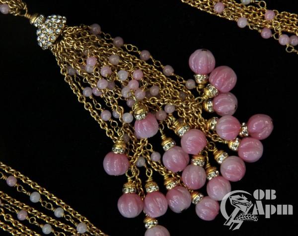 Цепь CHANEL с подвеской и с розовыми бусами Gripoix