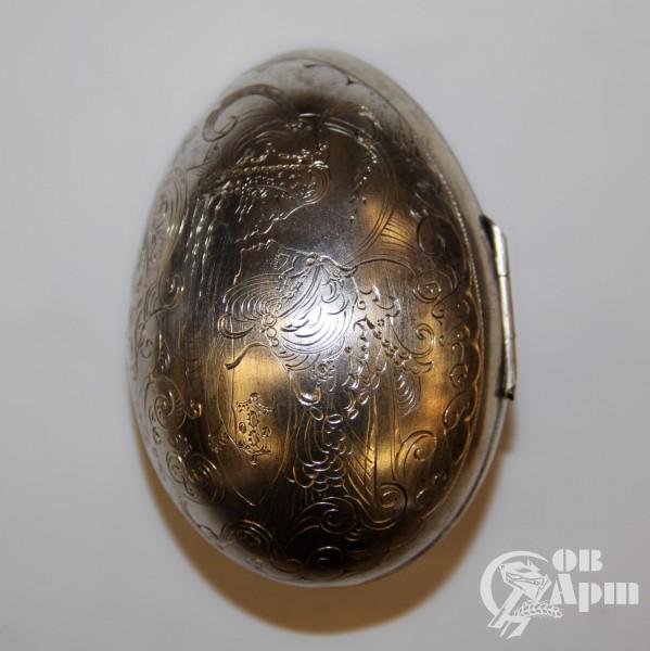 Яйцо пасхальное с флоральным узором